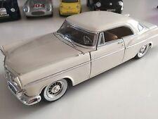 Modello di auto 1:24 Maisto Daimler Chrysler Corporation 300b 1956 BIANCO CREMA