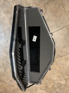 skb bow case 2SKB-6000 new in box ,never used,single bow case,with keys