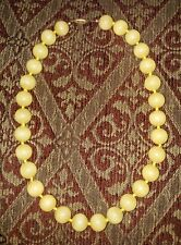 "VTG BEAUTIFUL YELLOW JADE BEAD STRAND NECKLACE ~16"" LONG 106 GRAM (10mm BEADS)"