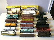 VINTAGE HO SCALE TRAIN CAR LOT - PLASTIC & METAL CARS - PARTS & INSTRUCTIONS