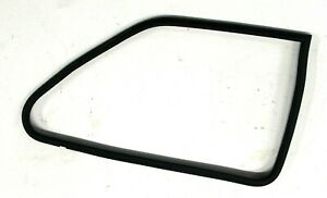 BMW OEM E30 COUPE RIGHT PASSENGER REAR VENT POP WINDOW RUBBER SEAL WEATHERSTRIP