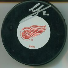 VILLE LEINO SIGNED DETROIT RED WINGS HOCKEY PUCK W/ COA