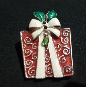 VINTAGE CHRISTMAS GIFT PRESENT BROOCH SILVER TONE ENAMELLED CRYSTAL PIN XMAS