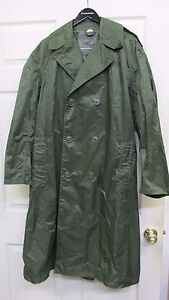 VINTAGE 1970 Vietnam War Era US Military Raincoat Nylon Rubber Coated Green 36R