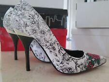 Anne Michelle black white red flower pattern high heels, size 8, new in box