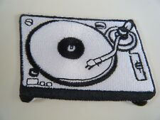 TURNTABLE PATCH Embroidered Iron On RECORD PLAYER DJ Vinyl Deck Hi-Fi Badge NEW