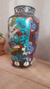 Vase en émaux cloisonnés à fond bleu décor végétal, oiseaux, Japon, Meiji, 19ème