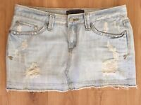 Ladies FOREVER NEW Light Blue Denim Skirt Size 10 Faded Mini Distressed Frayed