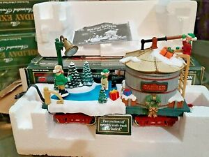 HOLIDAY EXPRESS TANKER CAR ICE SKATING ELVES ON POND ANIMATED NEW BRIGHT G SCALE