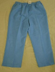 NWT New Women's Alfred Dunner Blue Proportioned Short Size 18