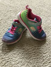 Girls Skechers ~ Size 3 ~ Great Condition!