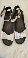 Womens Wolky Open Toe Sandals Walking Shoes Silver Sheen Sz 40 *EUC*