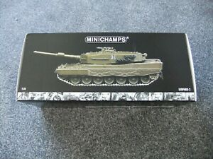Minichamps 1:35 German Bundeswehr Leopard 2 Tank - Diecast Model 350 011000