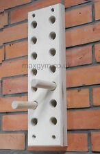 MaxGym® Trainingsboard Steckbrett Klettergriffe Seitenlänge 48cm