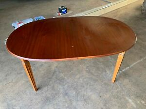 dining table extendable 4 or 6 seater