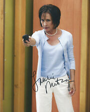 Laurie Metcalf Signed Desperate Housewives 10x8 Photo AFTAL