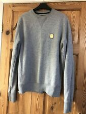 THE £26M PROJECT Mens Pale Grey Gold Badge Logo Jumper Size M