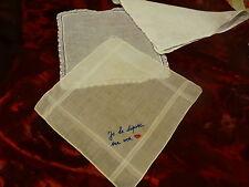 2pochettes mouchoirs brodées main+une offerte= le charme et élégance!