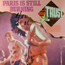 "7"" TRUST Paris Is Still Burning (SAUMUR)/walk alone (passe) Epic Hard-Rock 1980"