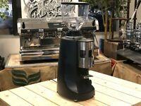 MAZZER ROBUR AUTOMATIC BLACK ESPRESSO COFFEE GRINDER CAFE RESTAURANT LATTE CUP