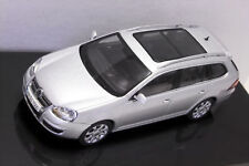 VW Golf V Variant silber 1:43 AUTOart / VW neu & OVP