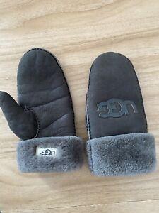 YOOX Ugg Sheepskin Gloves Size Small