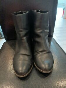 New Look Ladies Back High Boots With Zip Behind Size 7
