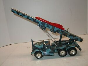 1958  Tin ALPS Japan Friction Firing Army Rocket Launcher Truck. A+ .WORKS.NRES