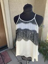 Forever 21 Ivory & Black Lace Tank Top Size Medium