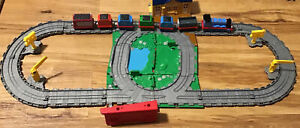 Thomas The Train Diecast Set (Has Some Scratches )-D15