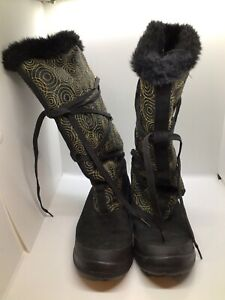 Timberland Womans Knee High gold and black snow 9 m