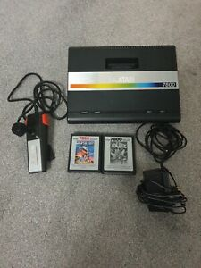 Working Vintage Atari 7800 Console with joystick 2 games and Asteroid built in.