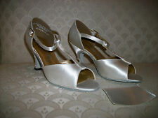 "Latin Dance Shoes Capezio Sandal White Satin BR08 2.5"" New In Box"