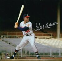 Hank Aaron Autographed Signed 8x10 Photo ( HOF Braves ) REPRINT