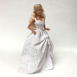 BEAUTIFUL BARBIE DOLL IN WEDDING DRESS + EXTRA TWO WEDDING DRESSES