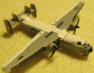 1/350 Trumpeter C-2 Greyhound Built Aircraft US Navy USS Carrier Based COD