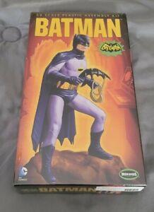 1:8 Moebius Models Batman
