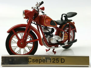 1/24 Atlas Csepel 125 D Red motorcycle model