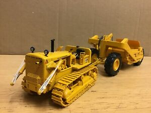 1/50 scale First gear Allis Chalmers HD21 crawler scraper box tractor  tracteur