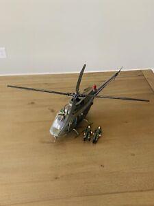 BBI Blue Box Toys Elite Force 1:18 Scale U.S. Army Kiowa Helicopter With Figures