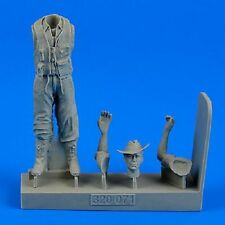 Aires 320071 1/32 WWII Royal Australian Air Force Fighter Pilot (long pants)