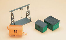 AUHAGEN HO scale ~ CRANE AND HUTS ~ plastic model kitset #42567