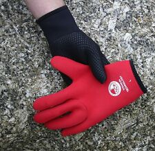 Titanium 3mm wetsuit gloves Stretchy neoprene - warm. sizes avail SML MED LRG XL