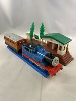 Thomas the Train Trackmaster Thomas with Vintage Annie Coach Tested Works Great