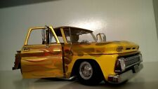 1/18 Chevrolet C-10 Stepside Pick-up Lowrider 1965 Sunstar