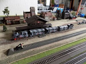 MARKLIN - Märklin, WWII MILITARY STEAM ENGINE 3029 WITH FOUR WAGONS, SCALE HO