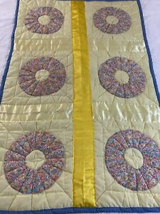 """Vintage Handmade Dresden Plate Quilt 34"""" x 53"""" lap or wall #847"""