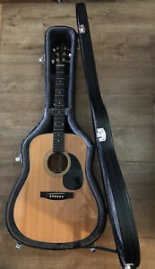 TangleWood Electric/Acoustic Guitar & Case
