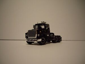 DCP FIRST GEAR 1/64 BLACK FORD 9000 DAY CAB