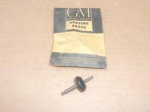1954-58 Chevrolet 1953-59 Oldsmobile NOS GM MASTER CYLINDER COMPENSATING VALVE